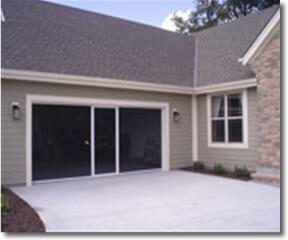 lifestyle-garage-door-screen-white-screen-3
